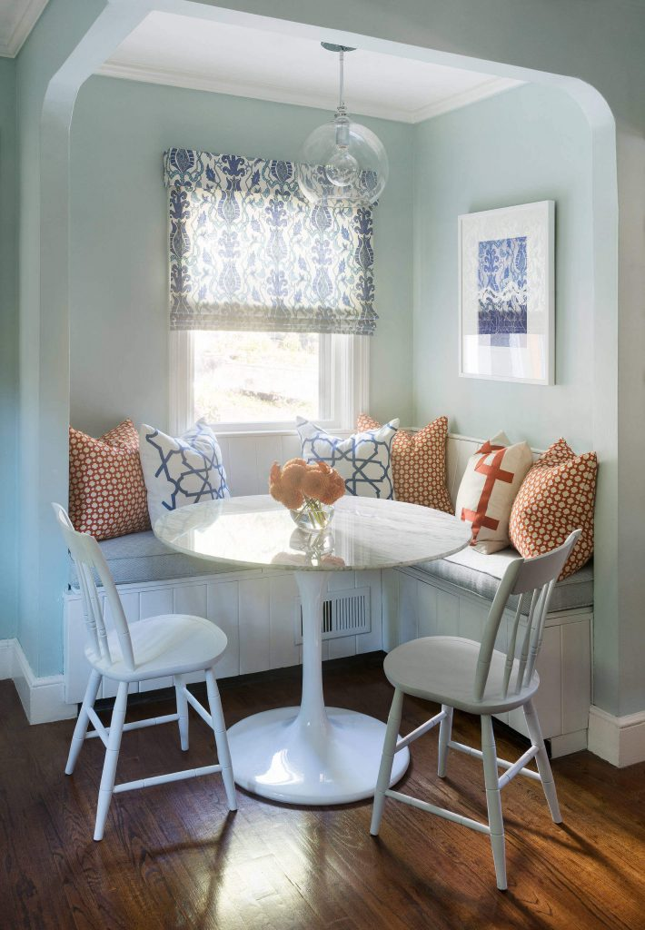 A palette of blues makes for a soothing breakfast nook in Boston