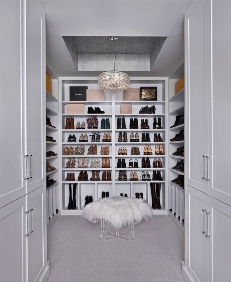 Most popular closet (10) Whether or not you share Carrie Bradshaw's love for designer heels, this shoe closet's appeal is clear: It's about the presentation. While we can't all have a custom closet made to display our footwear, floating shelves or a bookcase could produce a similar effect.