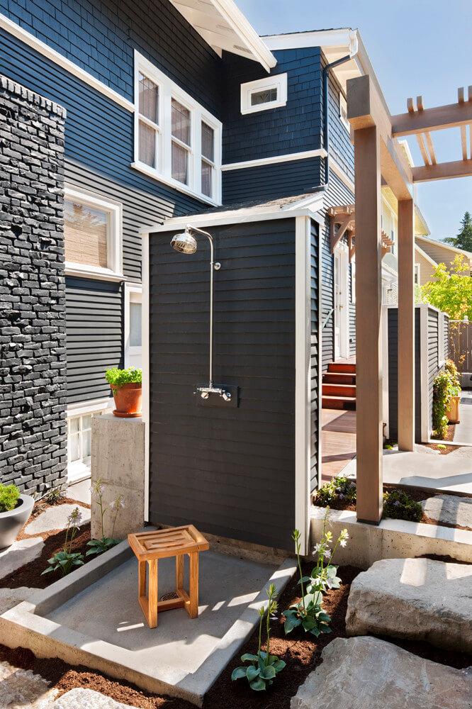 Seattle shower by Tyler Engle Architects