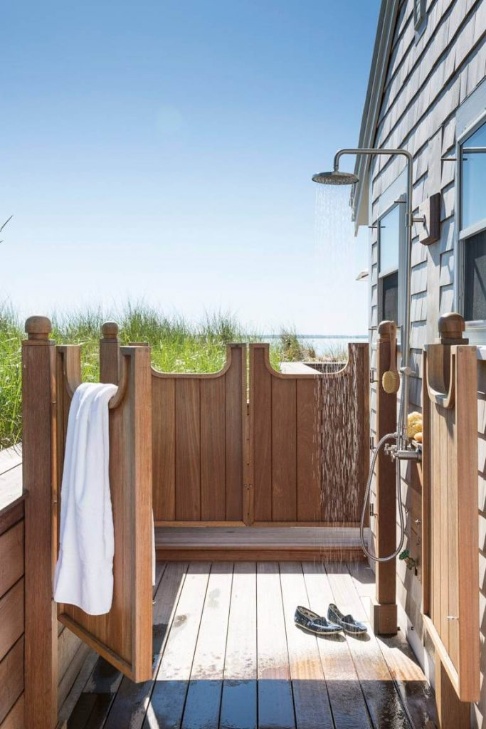 Semiprivate outdoor shower in Provincetown